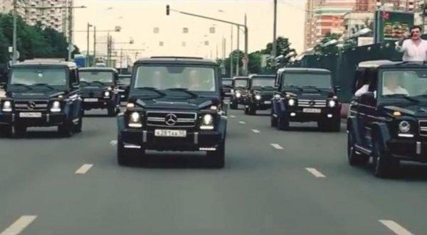 Правоохранители просматривают видео с ребенком за рулем Gelendewagen на МКАД