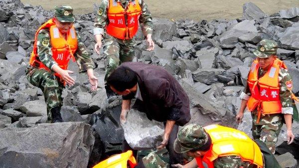 В Китае во время обвала горных пород погибли шесть человек