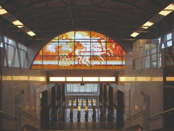 Станция метро «Парнас» закрыта в Санкт-Петербурге