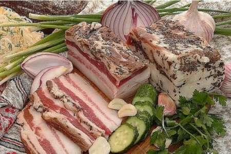 СМИ сообщили о рекордном росте цен на сало в Украине