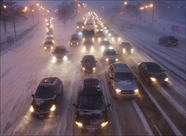 В Москве по причине снегопада случилось 1 300 аварий