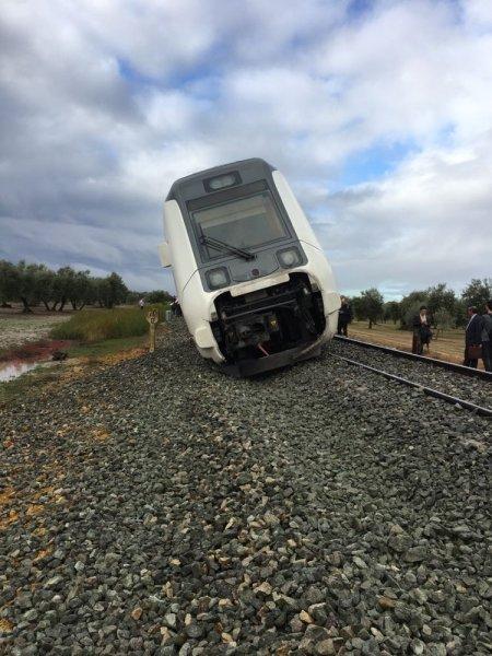 В Испании из-за схода поезда с рельсов пострадали более 20 человек