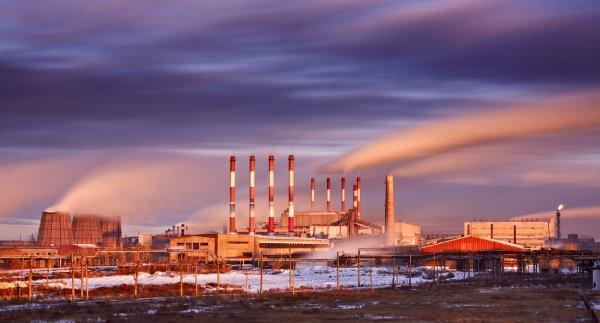 В Челябинской области на заводе взорвалась цистерна с углекислотой