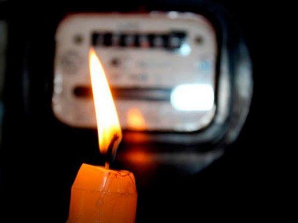В Калманском районе Алтайского края отключили свет из-за аварии