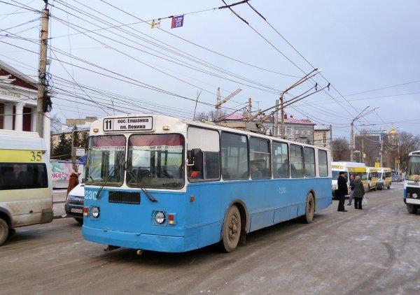 Водителя троллейбуса в Саратове ударило током