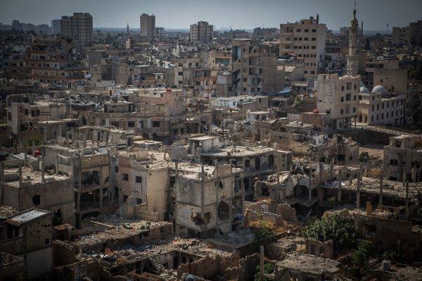 При взрыве автобуса в Хомсе погибли шесть человек
