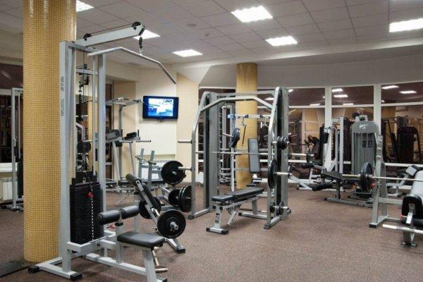 Посетитель фитнес-клуба в Москве умер во время тренировки