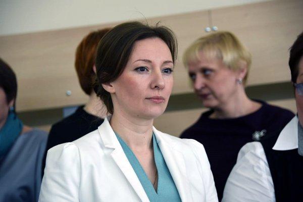 Анна Кузнецова рассказала о школьнице, пытавшейся смыть младенца в унитаз