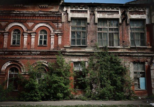 В Твери обрушилась кирпичная кладка части стены жилого дома