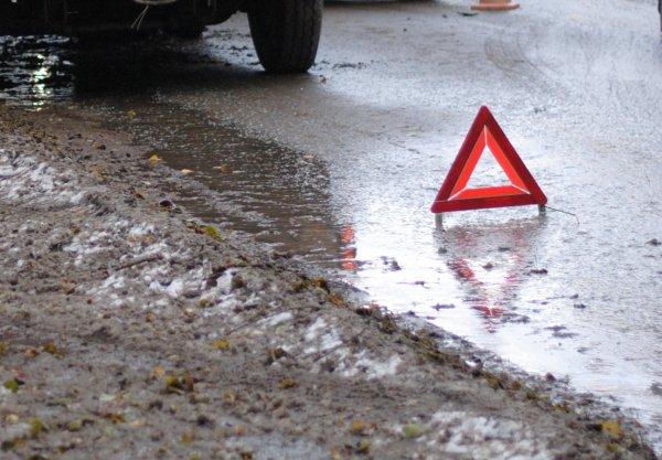 В Москве три человека пострадали в аварии на Люблинской улице