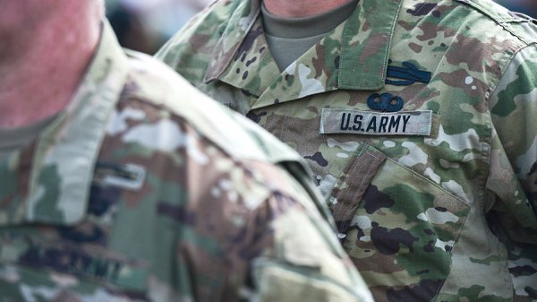 В одном из магазинов Львова скончался военнослужащий США