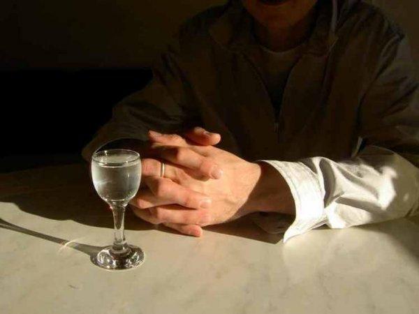 В Ростовской области 6-летний ребенок отравился водкой