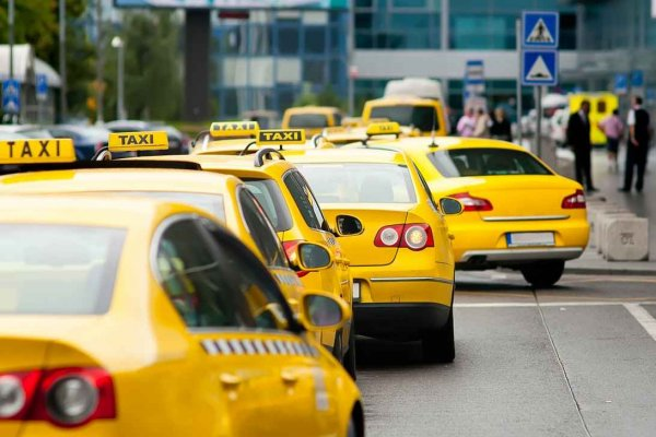 Безумные таксисты на дорогах Воронежа