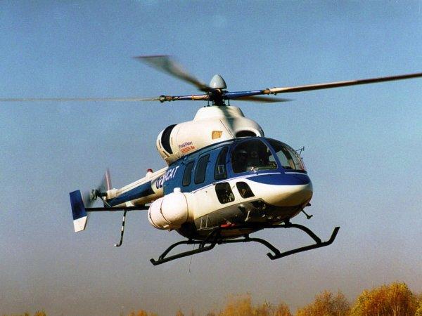 В центре Орла сел вертолет
