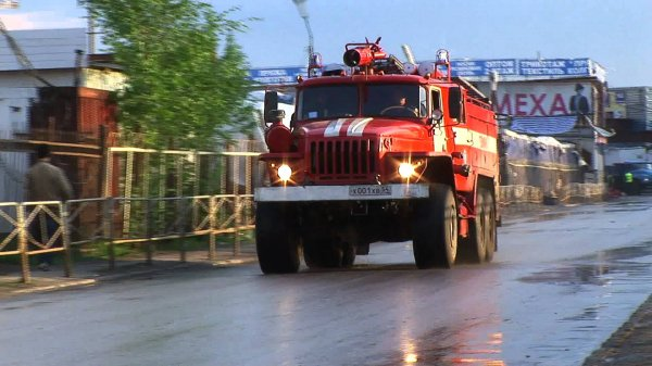 С огоньком: В Ростове-на-Дону на ходу загорелась маршрутка