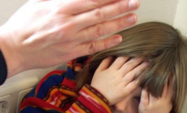 В Волжском школьницу избили за скандальный ролик про учительницу