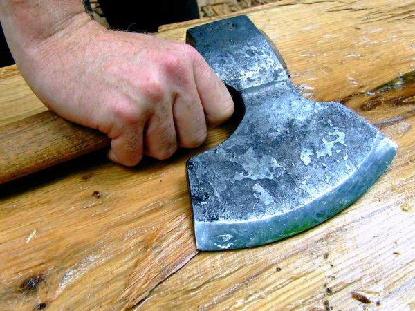 Подросток убил двух пенсионеров топором в Бурятии