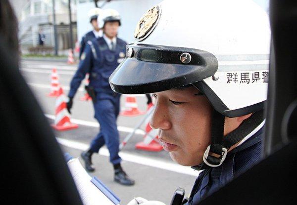 В Японии мусоропереработчики до смерти надули коллегу компрессором через анус