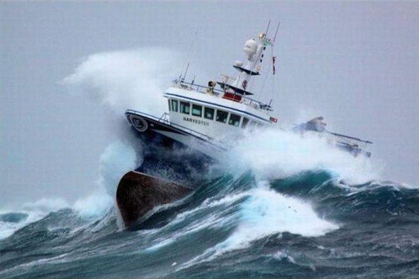 Около Филиппин утонуло 250 человек вместе с судном