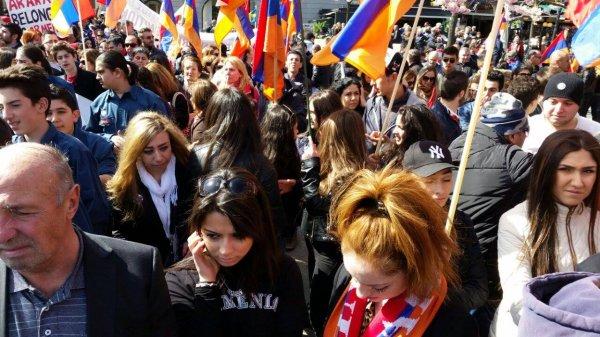 Шведы вышли на акцию протеста из-за жестокого изнасилования школьницы
