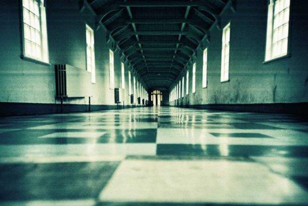 25 лет в психлечебнице проведёт девочка, напавшая на подругу в США