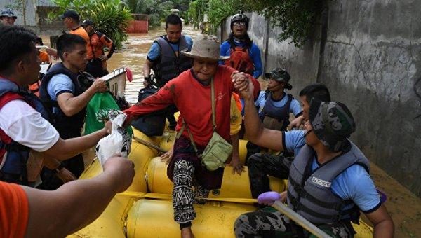В результате схода селя и наводнения на Филиппинах жизни лишились 90 человек