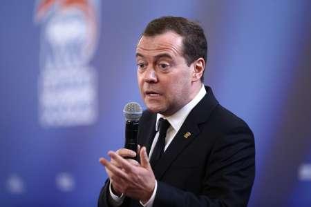 Дмитрий Медведев сообщил об обновлениях в социальной политике с 2018 года