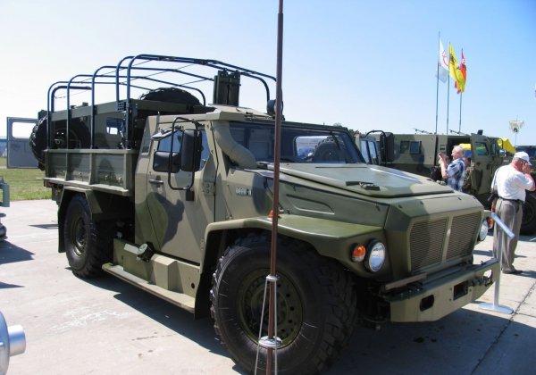 Крымчанка бросилась под колеса российского военного грузовика