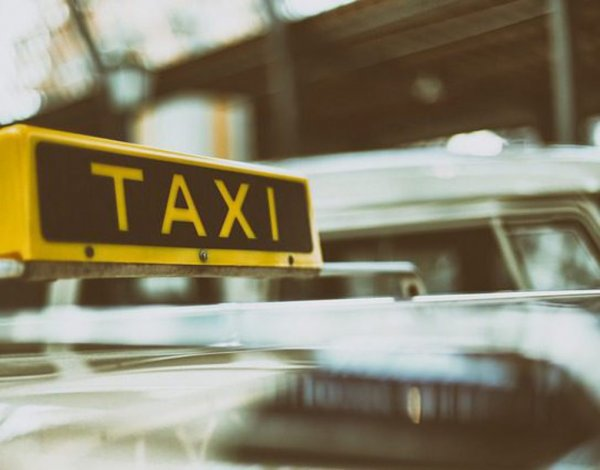В Ангарске таксист спас ребенка ценой автомобиля