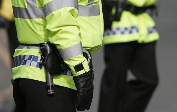 В Лондоне неизвестные плеснули девушке в лицо кислотой