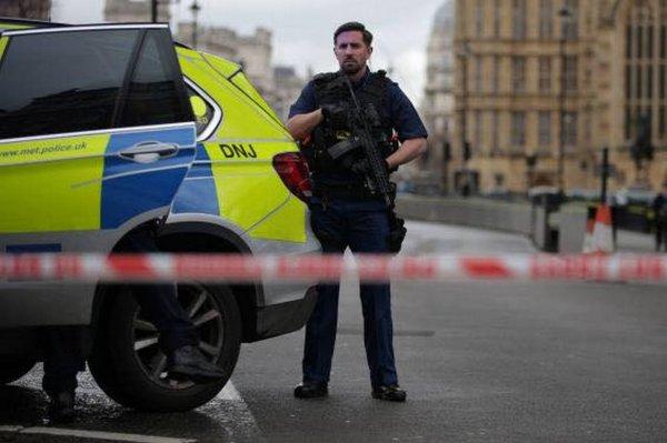 При стрельбе в Лондоне пострадали двое подростков