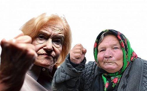 В ТЦ «Максим» в Риге две пожилые женщины подрались из-за картошки