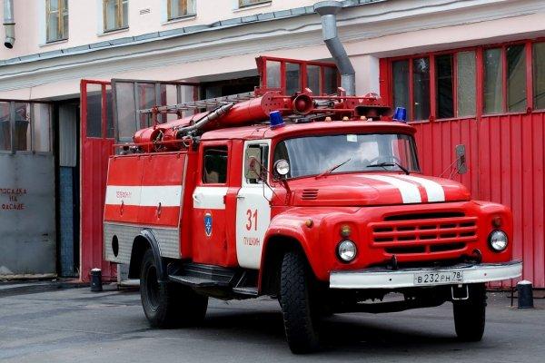 На новогодней ярмарке в Петербурге потушили пожар