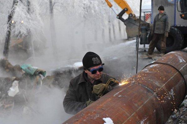 Более 300 жилых домов, школа и детский сад остались без света и тепла в Новосибирске