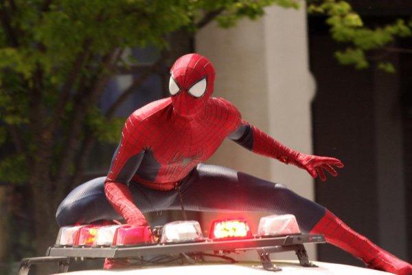 «Человек паук» из Астрахани проехался на крыше джипа