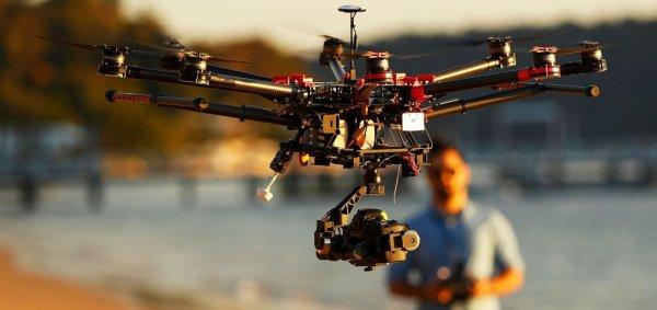На Багамах владелец дрона спас мальчика от нападения акул