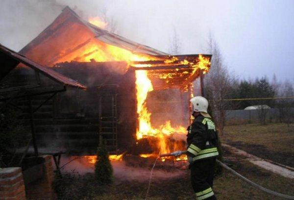 В Тверской области любители попариться едва не сгорели заживо в бане