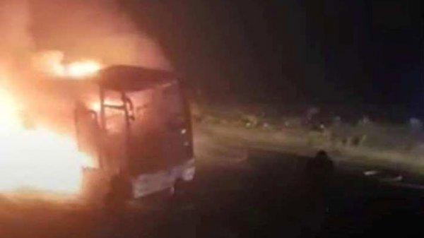 В Грузии сгорел пассажирский автобус следовавший из Азербайджана в Турцию