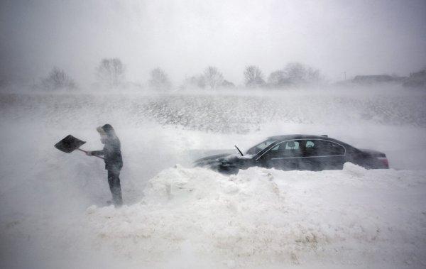Дагестан остался без света из-за сильного ветра и снегопада