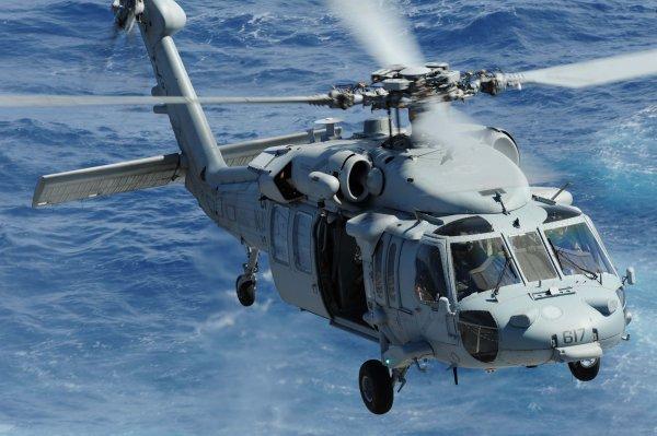 Вертолет с нефтяниками упал в Аравийское море