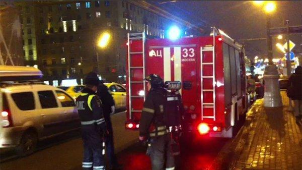 Криптоферма стала причиной пожара на западе Москвы: Сгорели гаражи с машинами