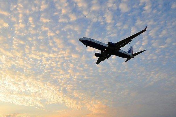 В небе над Ростовом чуть не столкнулись два пассажирских самолета