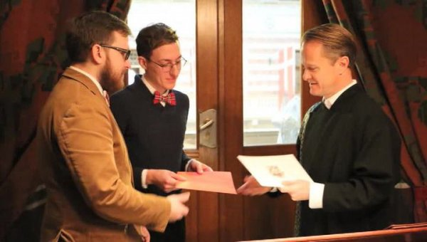 По делу о браке двух мужчин возбуждено административное дело