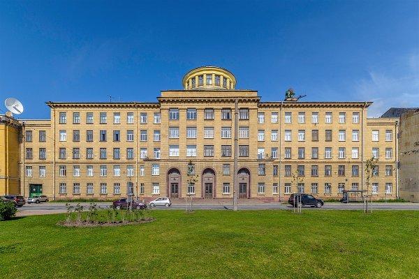 В Петербурге в здании Военно-космической академии произошел пожар