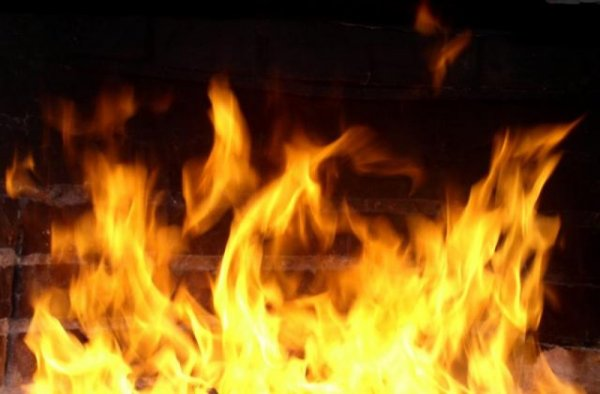 От пожара дома в Данилове пострадали люди