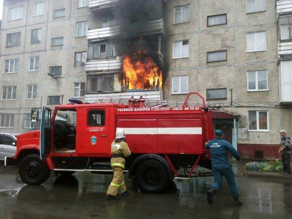 В Мурманской области вновь горит многоэтажное здание