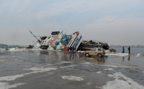 Паром из КНДР подал сигнал бедствия во Владивостоке