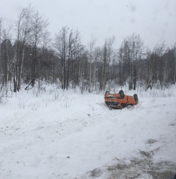 На трассе Киров – Котельнич в ДТП перевернулась легковушка