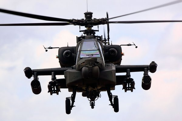В Японии рядом со школой потерпел крушение военный вертолет