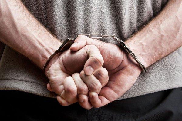 В Архангельске мужчина пытался ограбить свою соседку